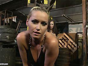 Kathia Nobili flog the tongue of ultra-cutie nymph