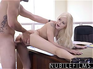 Elsa Jean Gives chief dirty dt