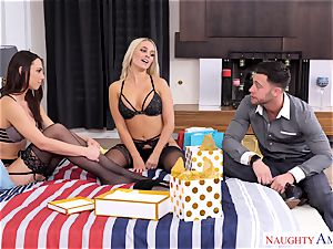 Alexis Monroe and Aidra Fox eager for the pipe of Seth Gamble