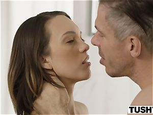 TUSHY wife Gapes For Her bro In Law