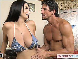 brown-haired mummy Ava Addams gets giant mounds drilled