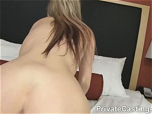 individual Casting-X - That's how you give a facial