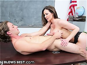 ruthless cougar schoolteacher melts in front of this student's fuck-stick