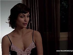 astounding Morena Baccarin looking cool bare on film