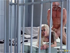 Nina Elle pounds a killer con in front of her cuckold husband
