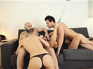 LOS CONSOLADORES - scorching swinger four-way with steaming stunners