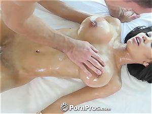 PornPros giant boobie Shay Evans rubdown pound and facial