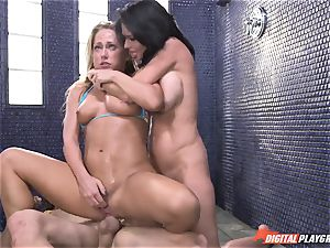 Carter Cruise almost passes out from extraordinary climax with Veronica Avluv