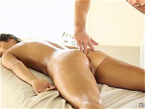 Eva Lovia likes an after massage fucking