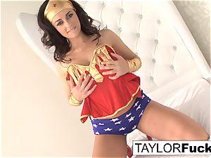 Taylor Is Wonder dame