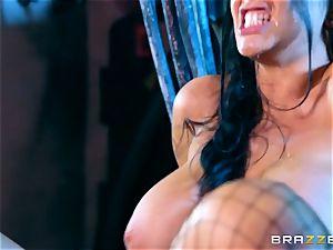 Romi Rain inserted in her wet coochie