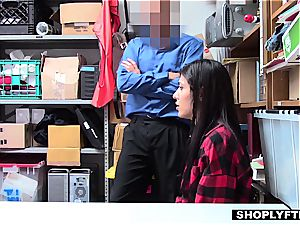 super hot shoplifter drilling 2 dudes to get out of grief