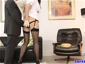 brit cougar in stocking getting frigged