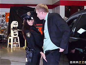 sizzling cop Ava Addams takes advantage of a chance grasp